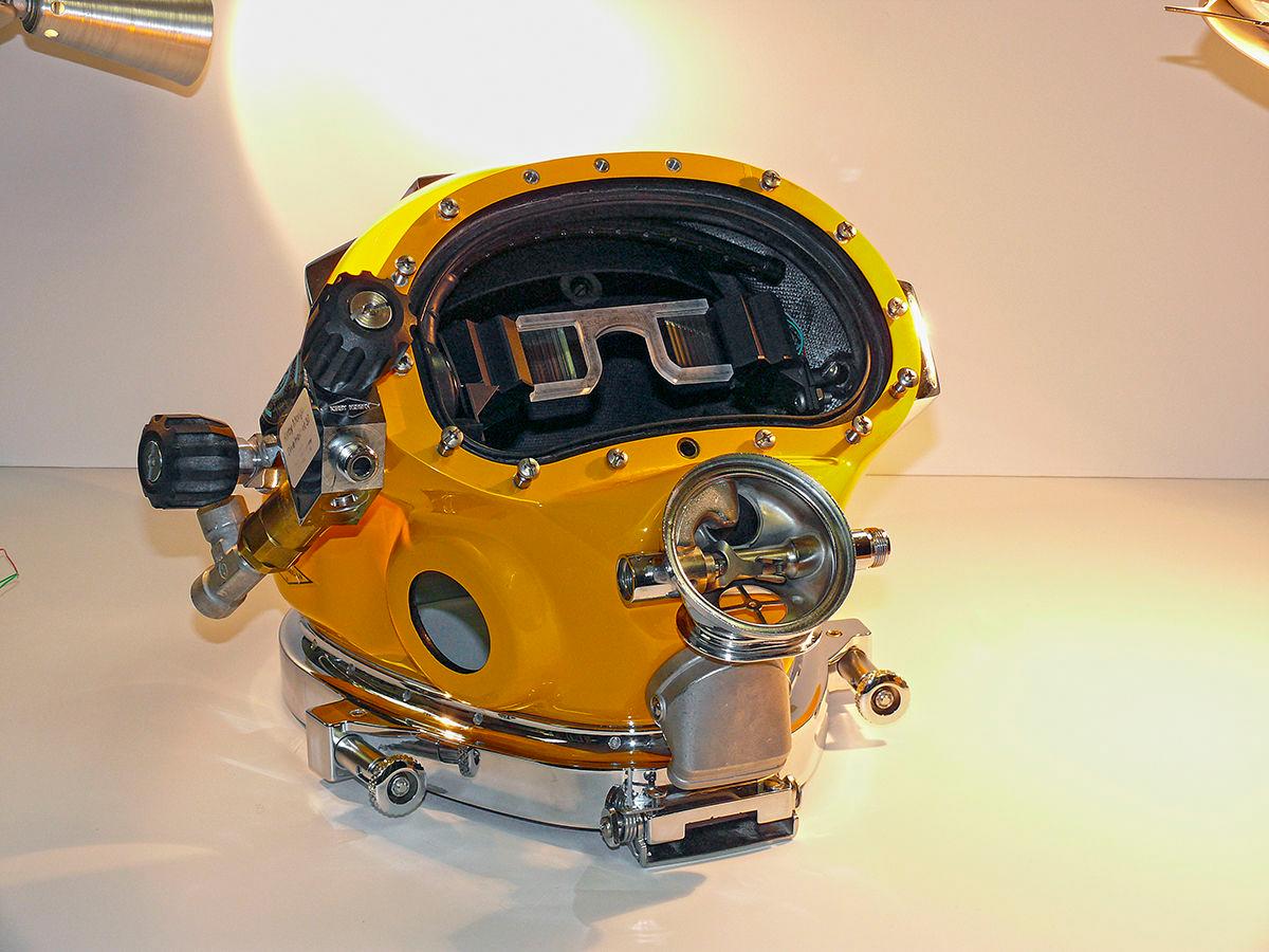 Le casque de plongée en réalité augmentée DAVD